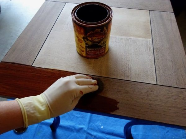 Stain a wood table