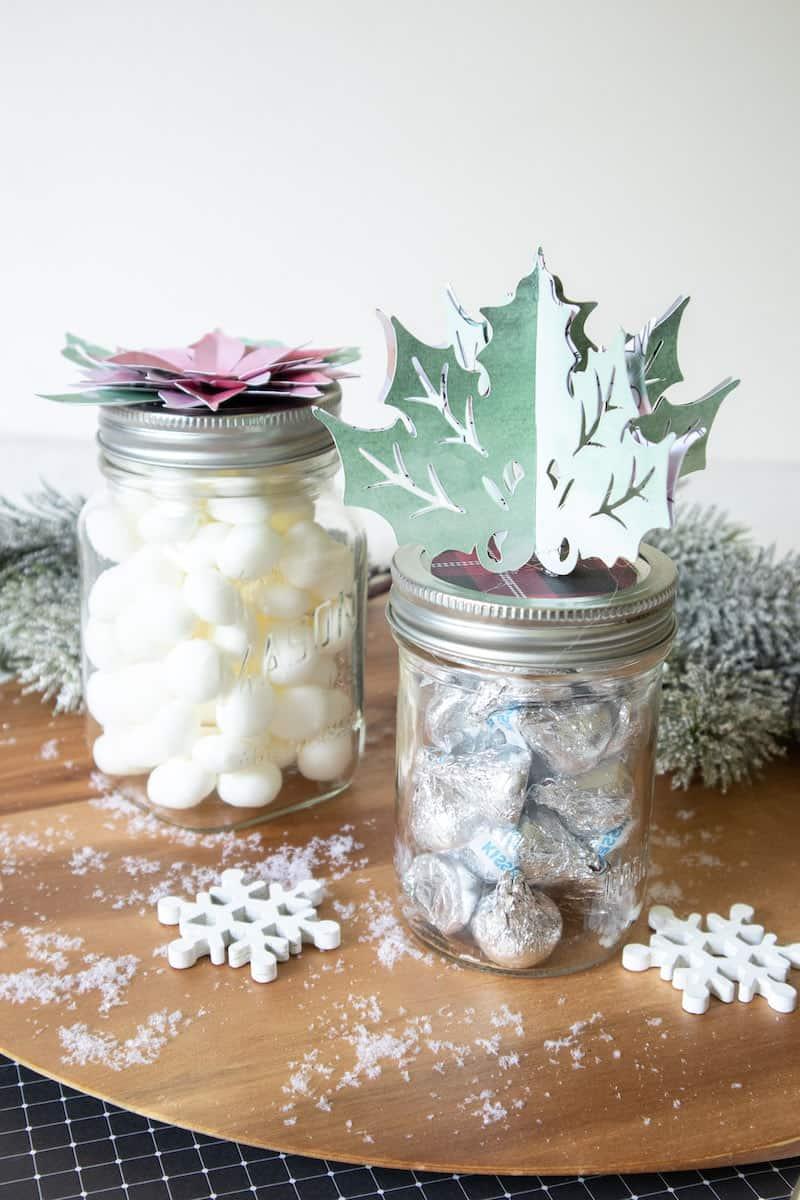 paper holiday jar topper on mason jars