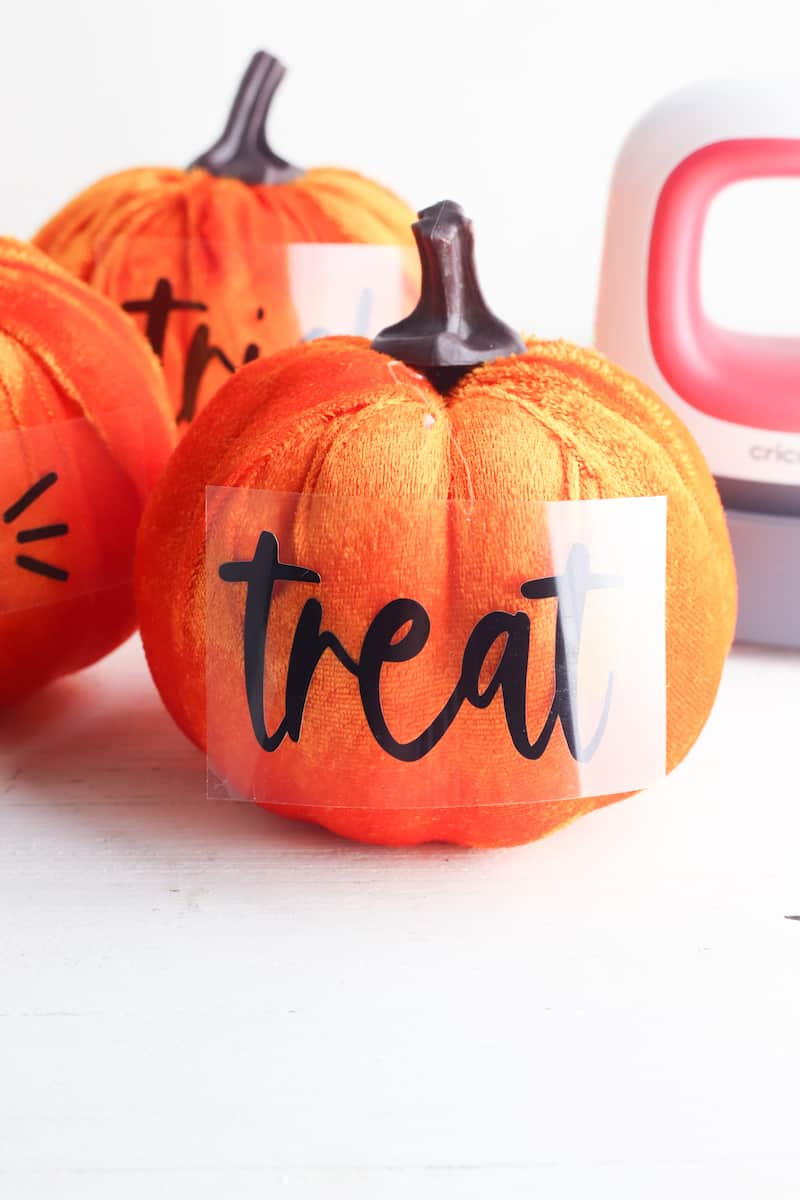 cricut vinyl letters transfer to plush pumpkin