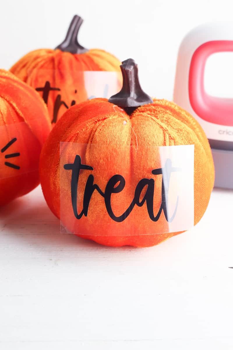 cricut vinyl letters transfer to plush pumpkin