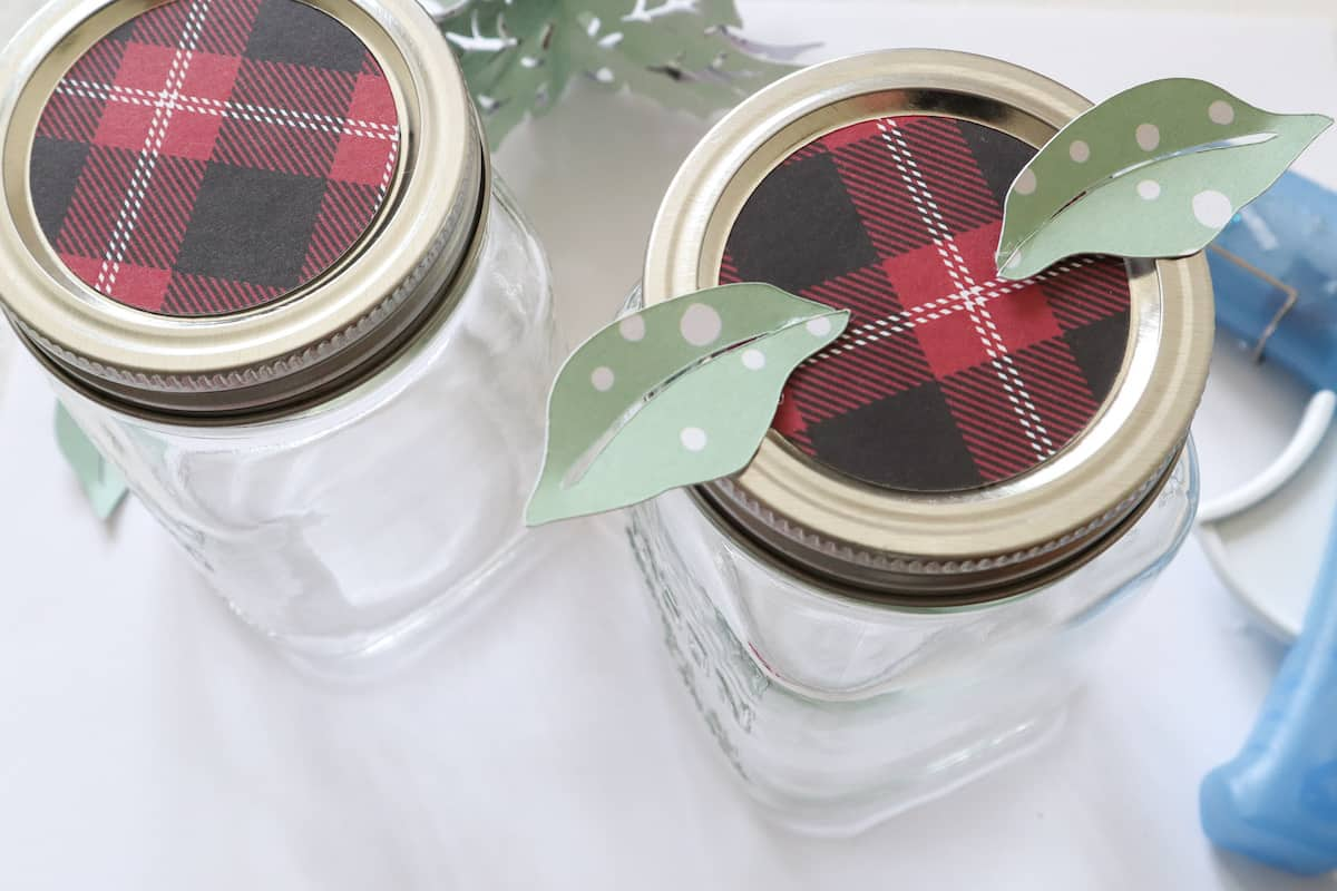 plaid mason jar topper with holly leaves