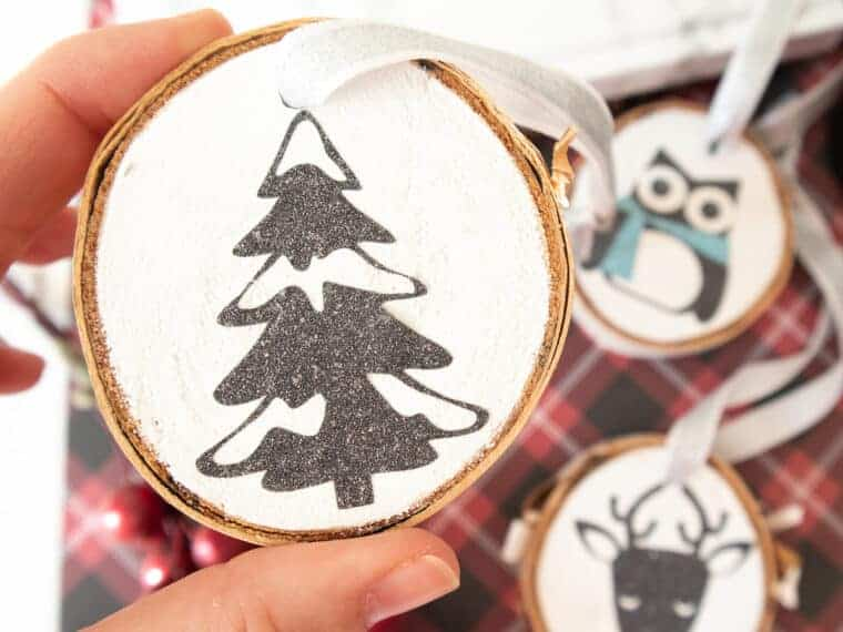 closeup of Glitter vinyl Christmas tree wood slice