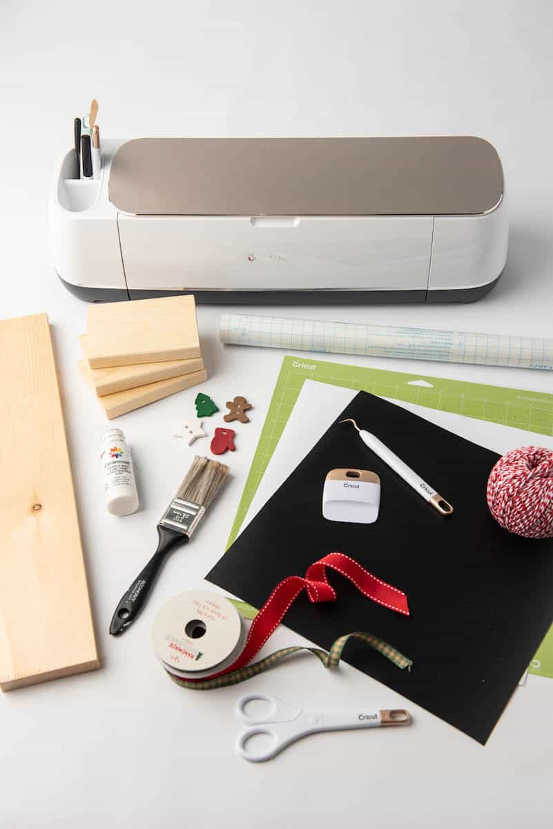 Cricut and Farmhouse Christmas craft supplies