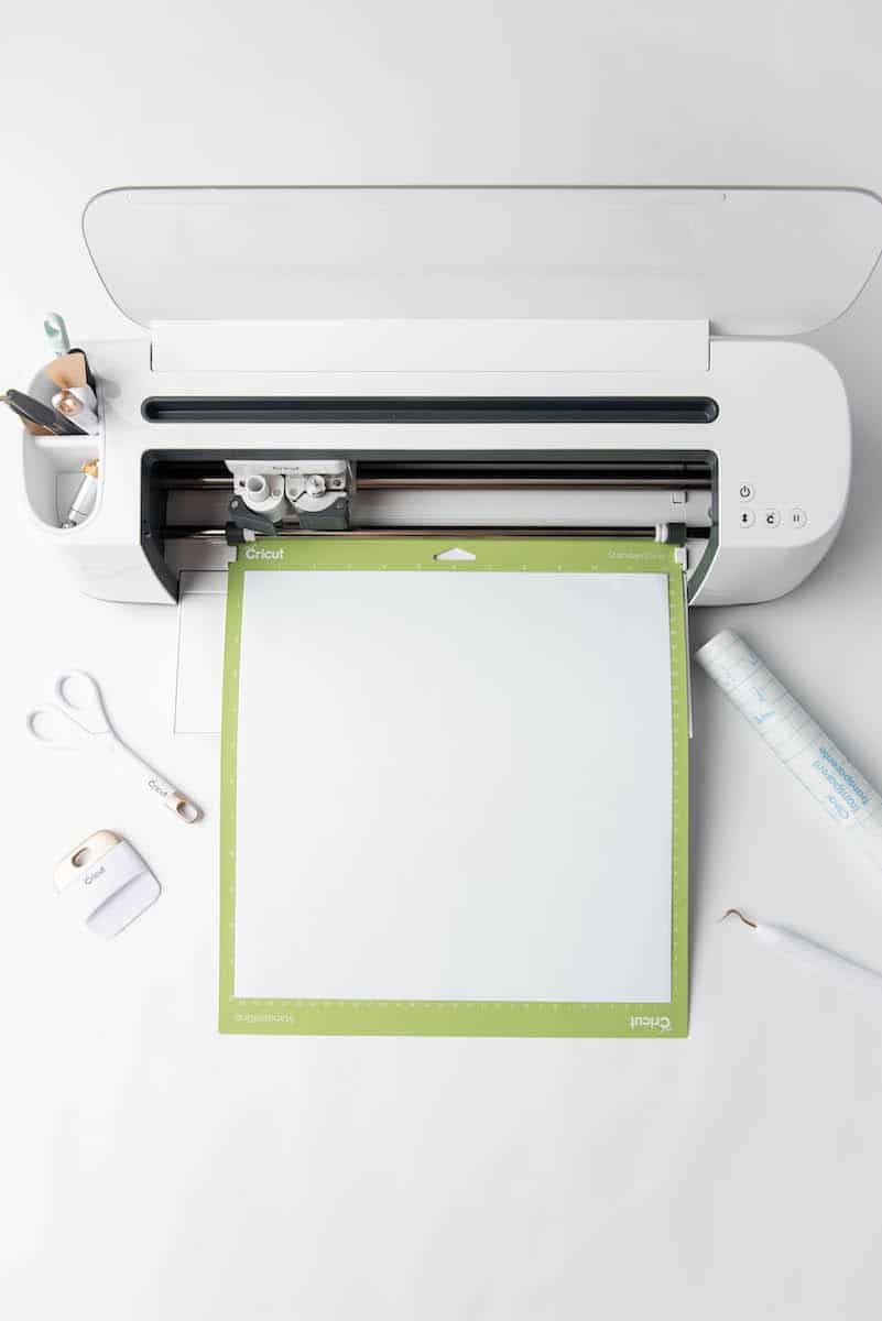 Cricut machine and supplies