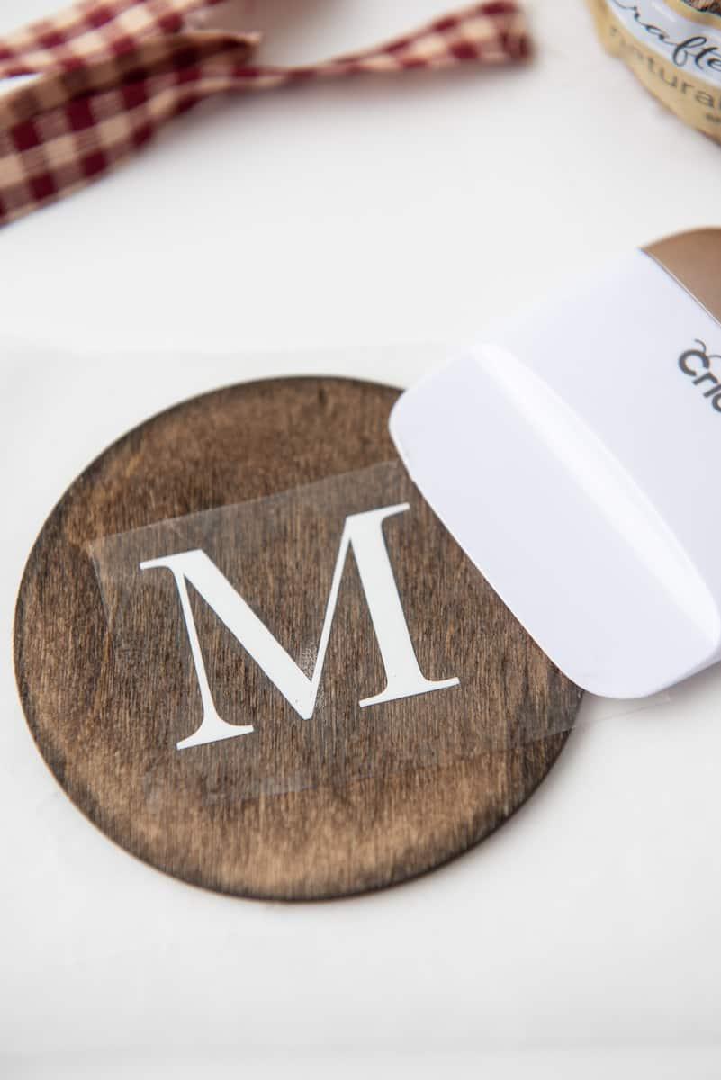Cricut Vinyl on Wood Round