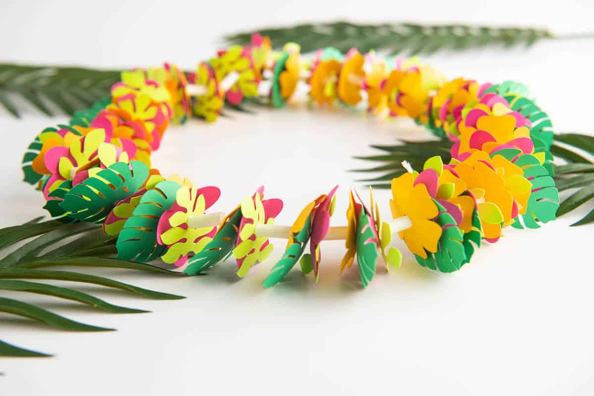 DIY Hawaiian Necklace Lei
