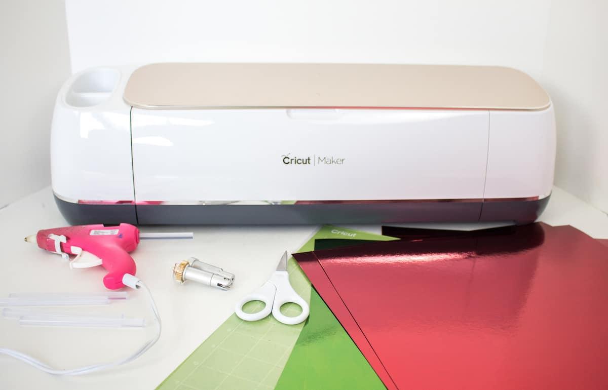DIY Holiday Star Gift Box with Cricut