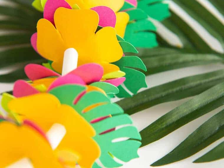 Paper Hawaiian flower Lei Craft