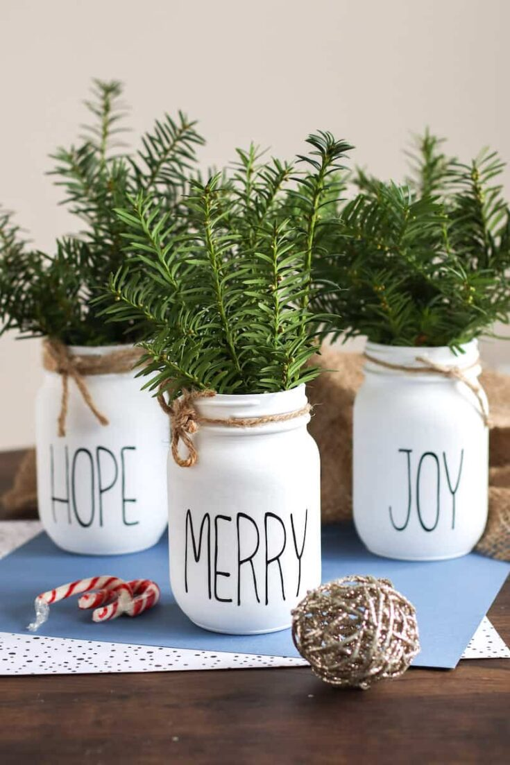 Christmas Mason Jars table centerpiece