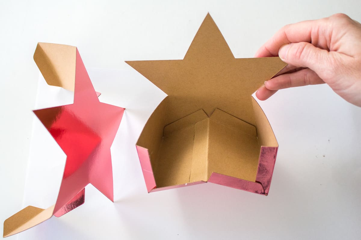 Putting Star Gift Box Together