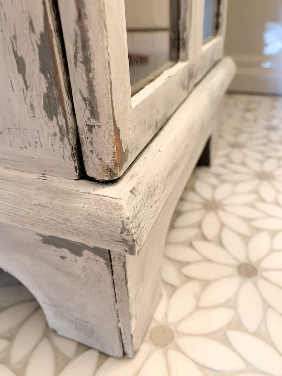 farmhouse look distressed furniture made with vaseline and chalk paint