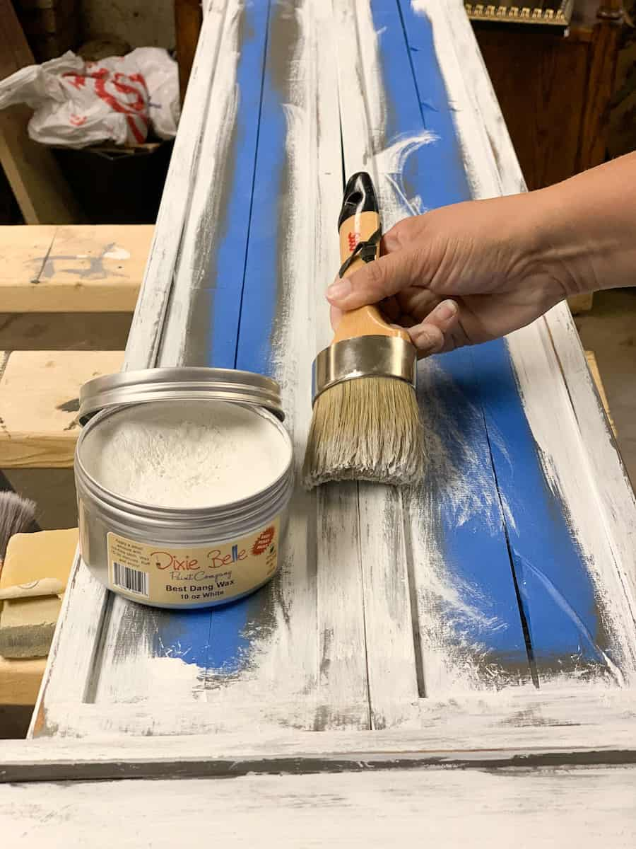 Painting distressed furniture with white wax