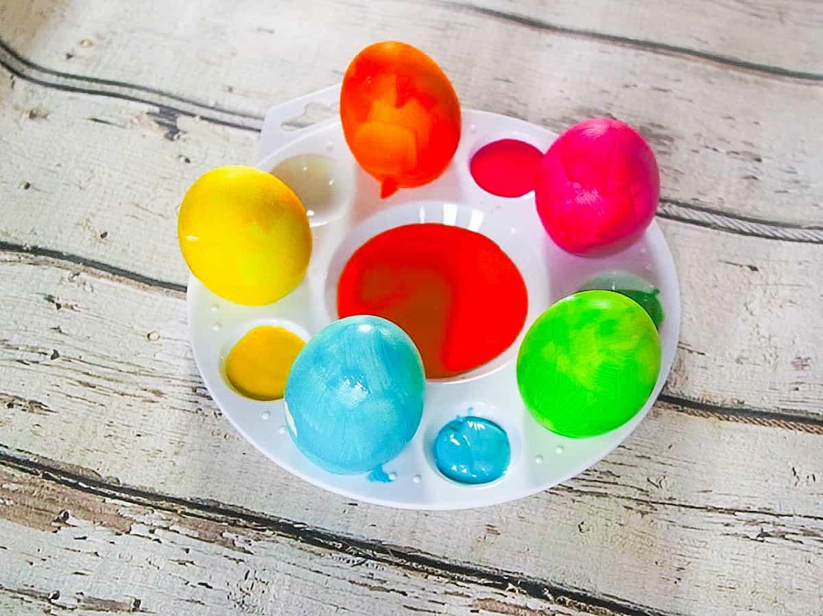 DIY Glitter Easter eggs Step 2