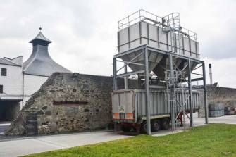 ardbeg-d-maischereste-silos
