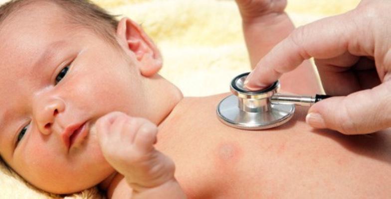 Chăm sóc trẻ sơ sinh bị viêm phổi tại nhà