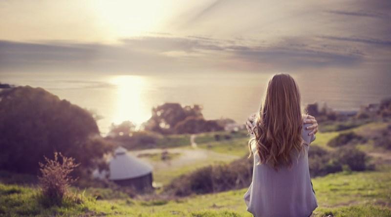 Tự nhủ lòng phải mạnh mẽ để vượt qua khó khăn, tôi vẫn không sao nguôi nỗi đau.