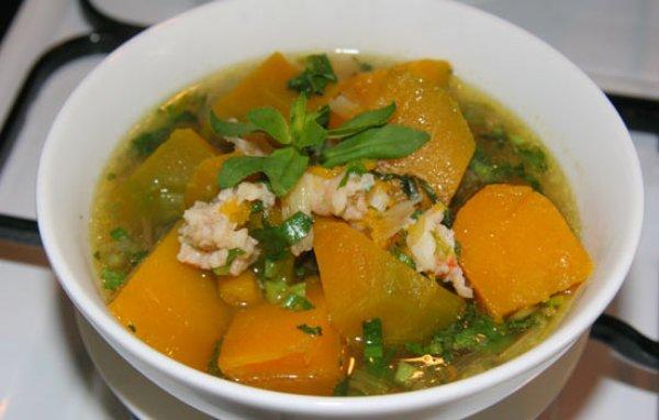 Mang thai nên ăn gì: Món ăn trị nóng cho mẹ bầu