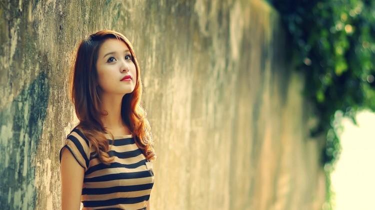 phụ nữ đơn than lạc quan với cuộc sống