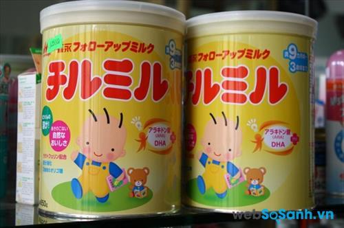 Trẻ sơ sinh uống sữa gì tốt?