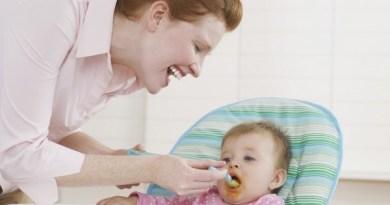 Vì sao trẻ sơ sinh biếng ăn?