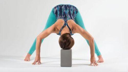 Các bài tập yoga đơn giản giúp ngủ ngon giảm căng thẳng