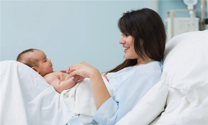 10 cảm giác mẹ sinh mổ nào cũng sẽ trải qua