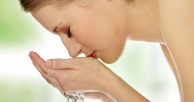 Dưỡng da sau sinh: 4 cách rửa mặt để có làn da không tuổi sau khi sinh