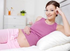 Đầy bụng khi mang thai 3 tháng đầu mẹ phải làm sao?