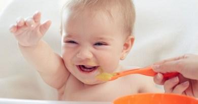 Cách chế biến món ăn dặm từ trái bơ cho bé