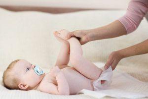 Chọn tã giấy cho trẻ sơ sinh như thế nào?