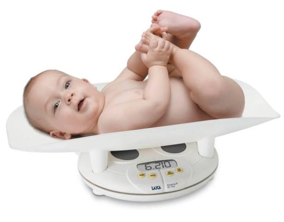 Một tháng trẻ sơ sinh tăng bao nhiêu cân