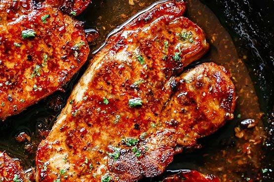 Recipes with pork chops . Easy Honey Garlic Pork Chops
