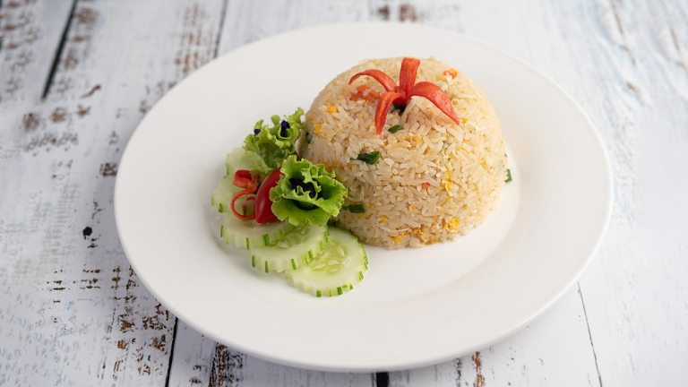 Egg Fried Rice Recipe. Easy Lunch in 5 Minutes