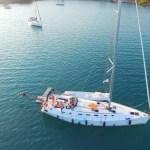 Duik van de boot in onze baai