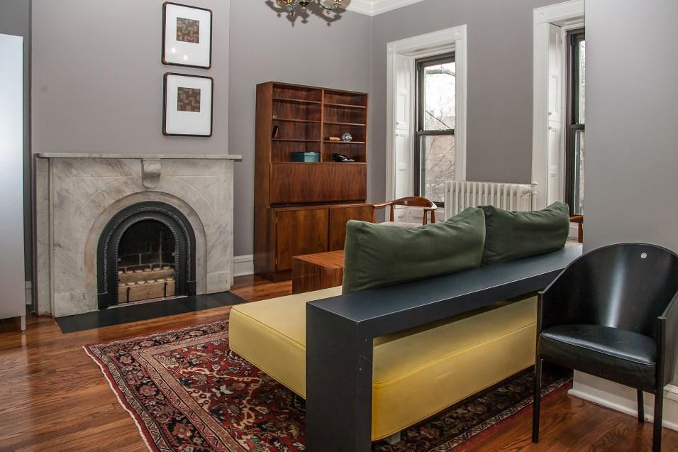 1103 Garden St. - sitting room
