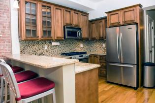 1030 Hudson St 9 kitchen