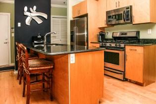 1313 Park Ave 2A - kitchen