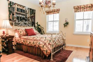 1313 Park Ave 2a master bedroomr