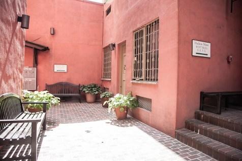 41 1st St 2e - courtyard