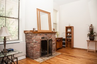 41 1st St 2e - fireplace