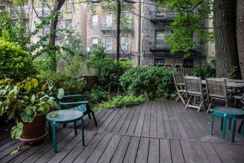 828 Hudson St 1 - garden