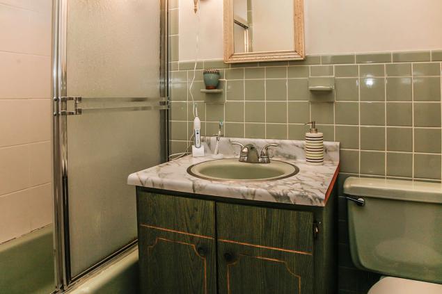 1021 Garden Street bath 2