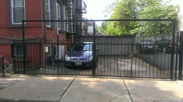 1248 Bloomfield St parking