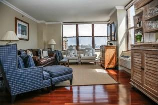 2 Constitution Ct 1003 - living room