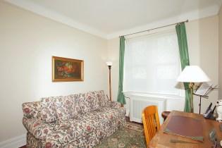 926 Castle Point Terrace - study