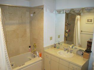 72 Park Ave 1B - bath