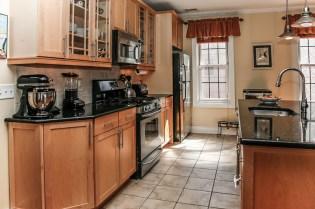 904 Jefferson St 21 - kitchen