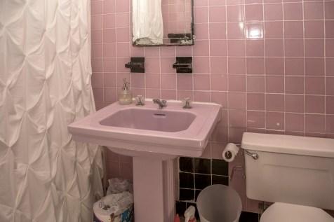 917 Washington St #3 - bathroom