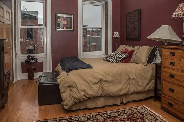 929 Garden St #4R - bedroom