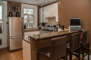 929 Garden St #4R - kitchen and bar